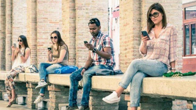 Телефоны скоро попрощаются с аккумуляторами