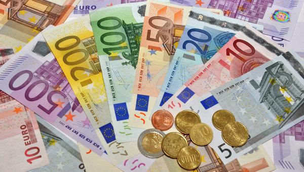 Евро достиг самого высокого показателя в курсах Нацбанка за последний год