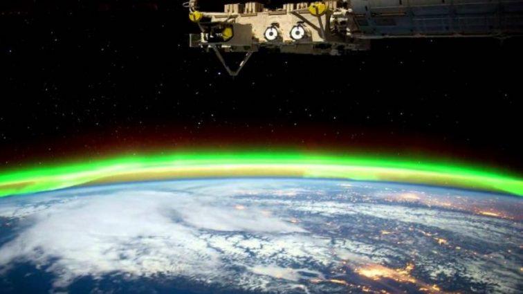 Астронавт заснял северное сияние (видео)