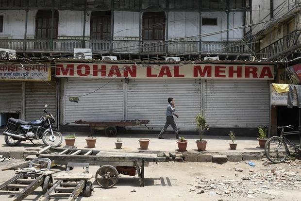 Индия реализует самую налоговую реформу за полвека. Почему ее рынки пустые?