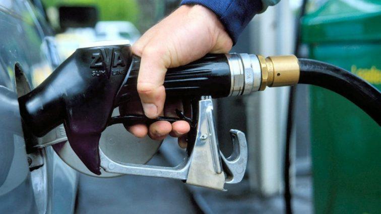 Цены на бензин: прогнозы экспертов радуют