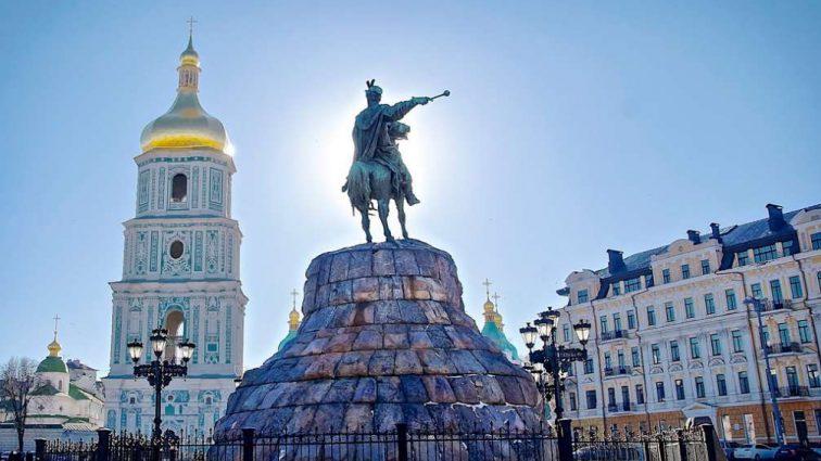 Туристы едут в Киев: загрузка отелей стала самой высокой за четыре года