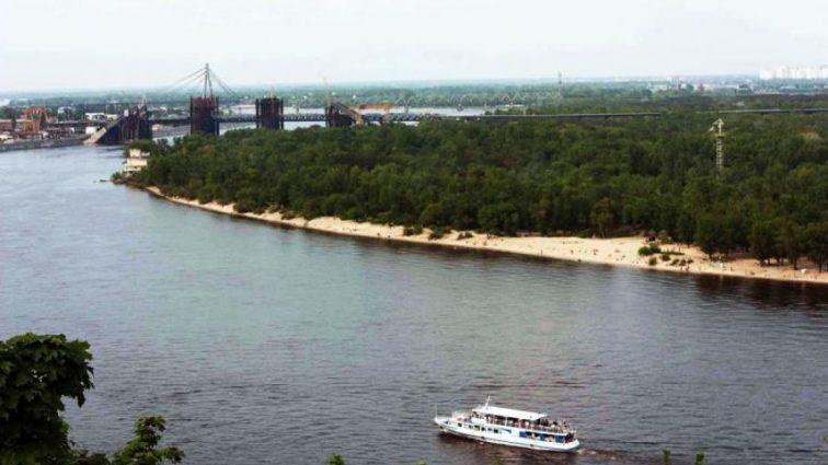 Дроны на киевском острове установили рекорд