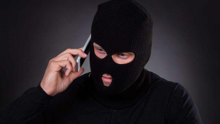 Телефонные аферисты на сайтах по трудоустройству: Как найти работу и не стать жертвой мошенников