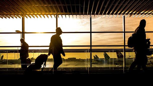 В аэропорты Украины потянулись пассажиры