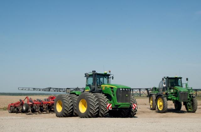 Аграриям увеличат компенсацию за технику — Гройсман