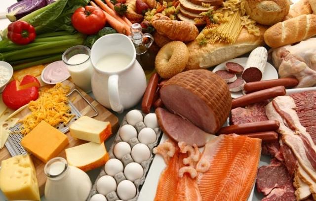 Что заставляет тратить украинцев ползарплаты на еду