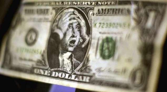 Украинцев ждет осеннее «покращення» курса валют