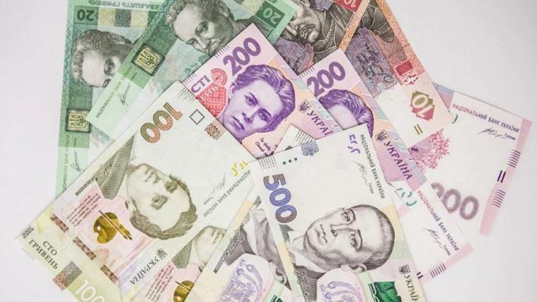 Сколько может заработать украинский чиновник по-честному (таблица)