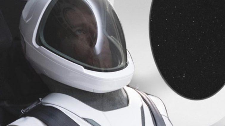 Маск похвастался первым скафандром от SpaceX