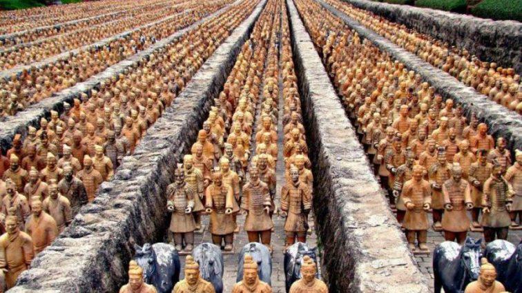 """Ученые разгадали тайну создания """"глиняной армии"""" Китая"""
