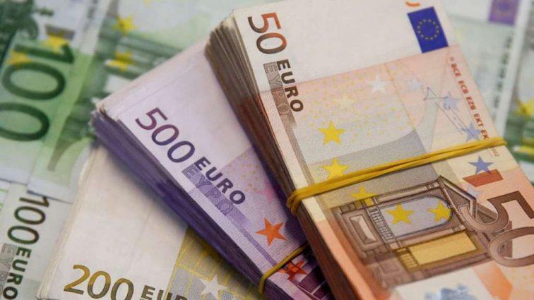 Курс евро приближается к страшному рекорду