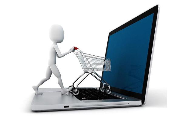 Украинцы начали в полтора раза чаще покупать товар через интернет