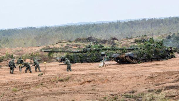 Мы готовим армию к войне – Минобороны Беларуси