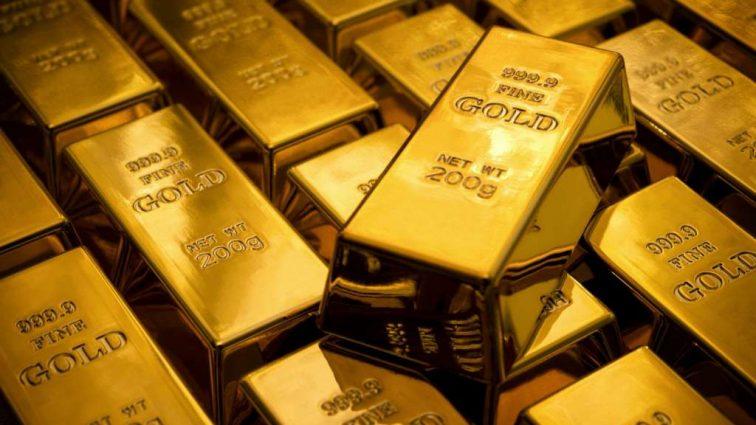 Золото подорожало до максимума за год