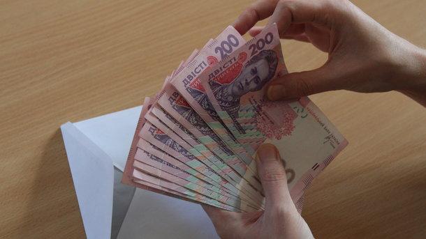 В Украине снижается задолженность по зарплатам