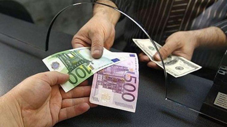 Сегодняшний курс валют стал неожиданностью, бегите в обменники пока не поздно
