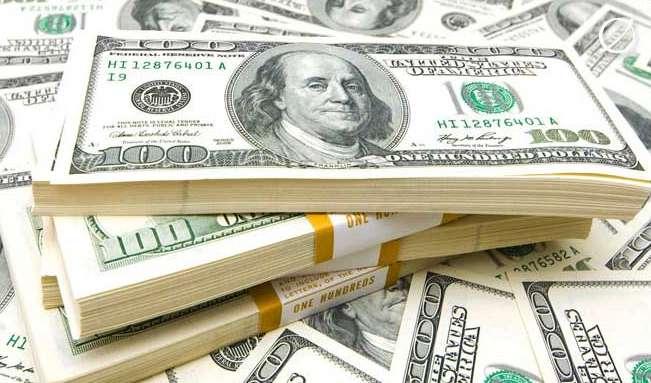 Украинцам озвучили неожиданный курс доллара и евро