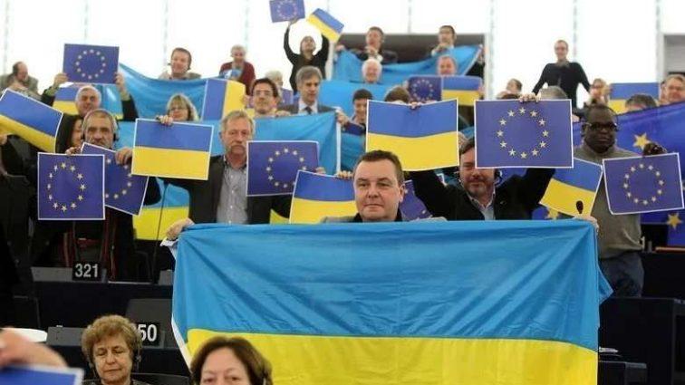 Европа отменит роуминг для украинцев: сроки впечатляют
