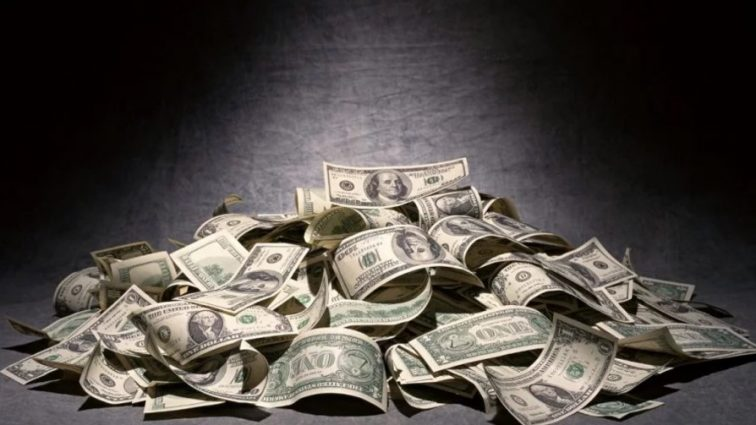 Главные борцы с коррупцией ошеломили заоблачными зарплатами