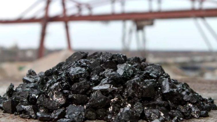 РФ признала, что продает уголь с оккупированного Донбасса