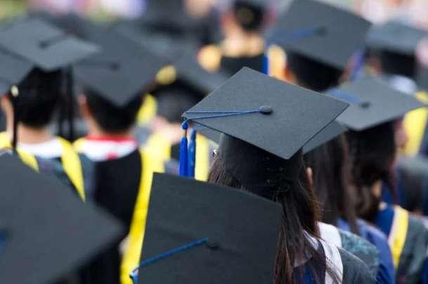 Скандальный закон об образовании вступил в силу: что надо знать