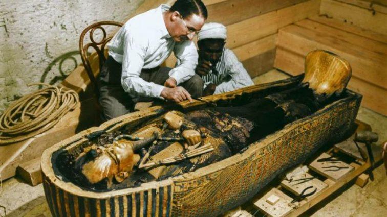 Археологи вскрыли гробницу «золотого» мастера фараонов