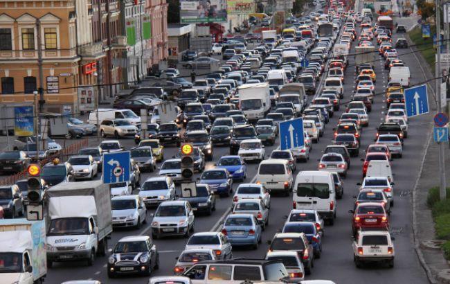 Киев застрял в огромных пробках: в центре протестуют автомобилисты