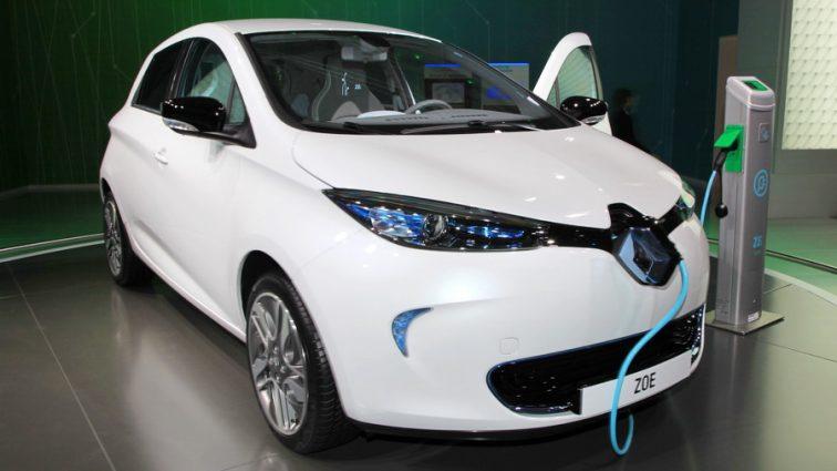 В Украине хотят освободить от налогов владельцев электромобилей