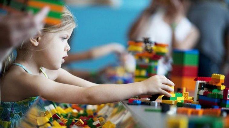 LEGO вместо учебников? Что готовит новая образовательная система
