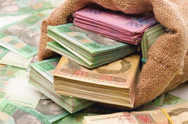 Долги по зарплате: кому в Украине платят хуже всего