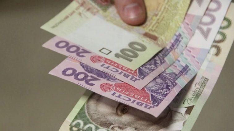Кому и зачем нужны «махинации» с курсом доллара в Украине