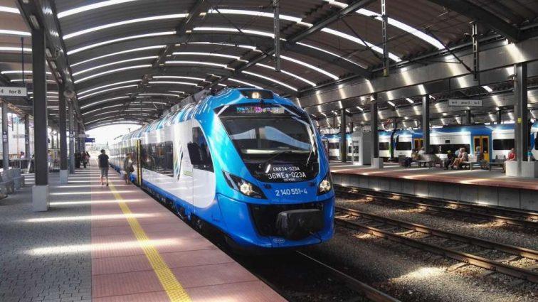 Укрзализныця планирует разделить пассажирские поезда по трем категориям