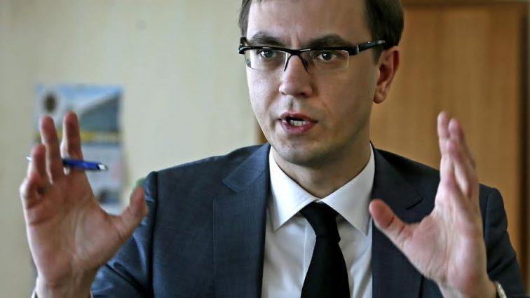 Омелян заявил, что «Укрзализныця» фактически превращается в «тромб» экономики