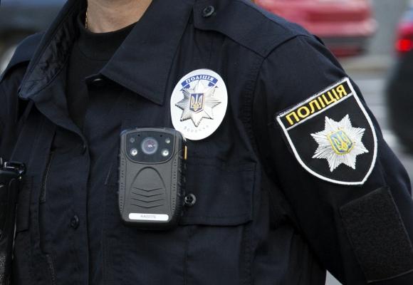 Полицейские устанавливают обстоятельства смерти задушенного в собственном доме киевлянина