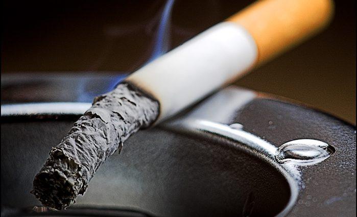 Все бросят курить: цены на сигареты «убьют» производство в Украине