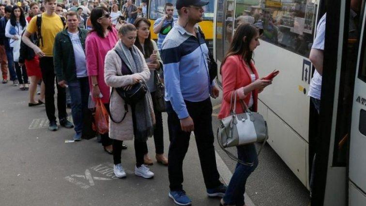Украинцы бегут в Европу от «реформ»: удручающие цифры
