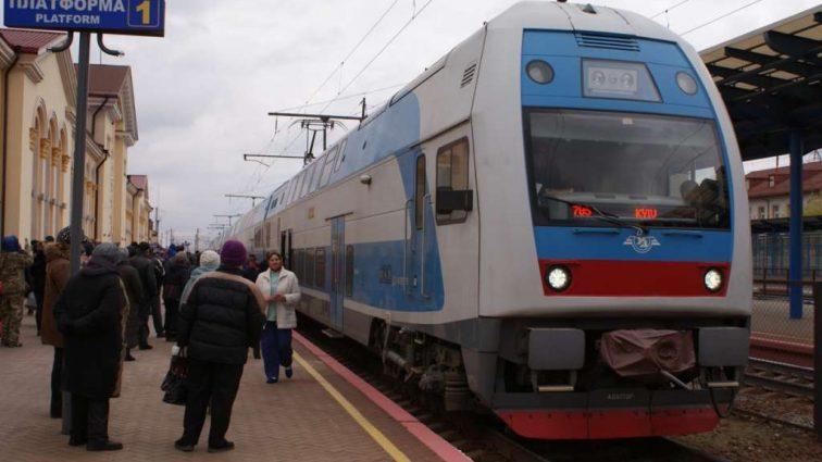 «Укрзализныця» запустила двухэтажный поезд из Тернополя в столицу