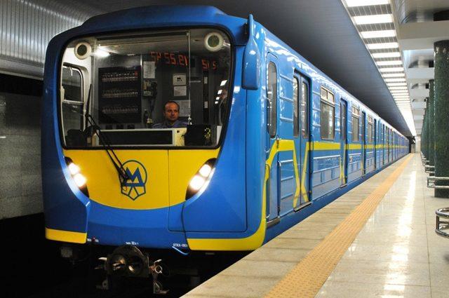 Китайские компании выделят кредит для строительства четвертой ветки метро в Киеве на Троещину