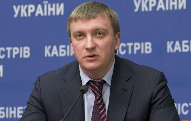 Петренко предлагает не пускать за руль родителей, которые не платят алименты