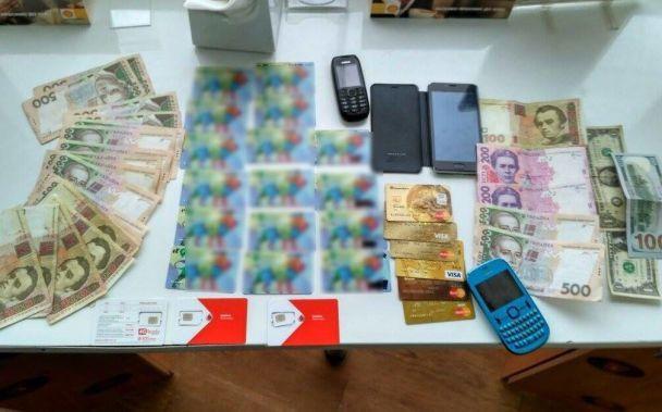 Киберполиция поймала мошенника, воровавшего деньги клиентов АЗС с помощью скиммера