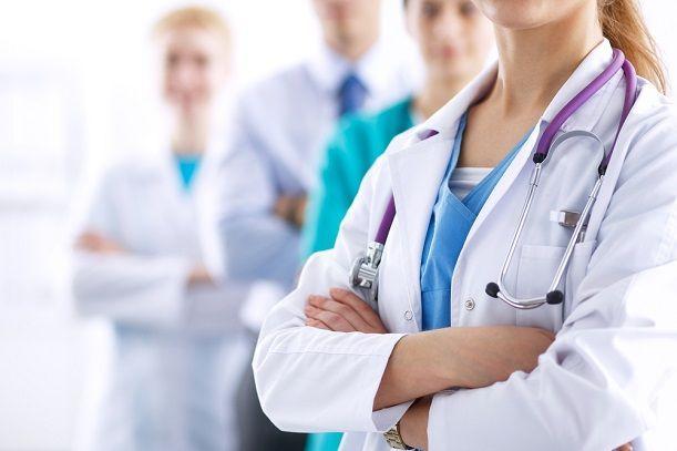 «Только после …»: Гройсман рассказал, когда ждать повышения зарплат для медиков