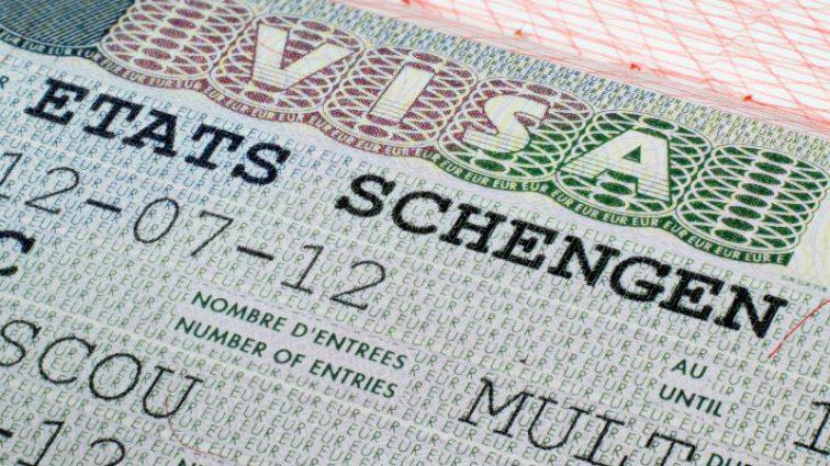 Въезд и выезд в страны Шенгена по-новому: Евросоюз принял новую систему