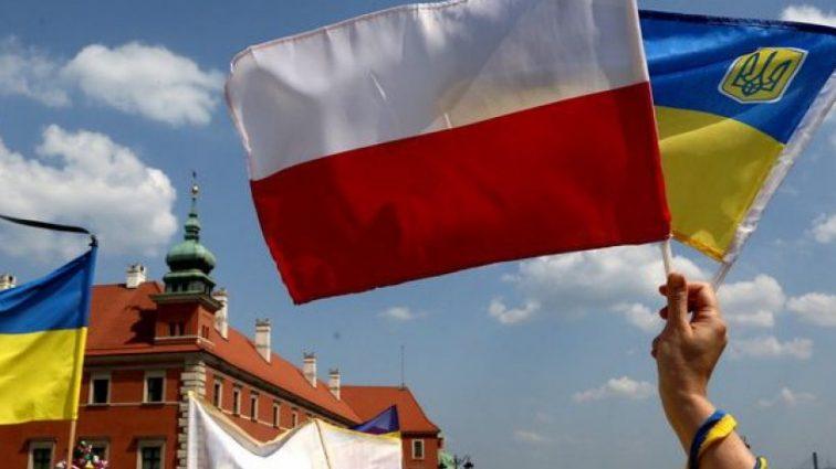 Станет платным: С января трудоустройство в Польше будет происходить по новым правилам