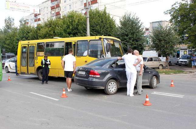 40% «маршруток» в Киеве незаконны — КМДА