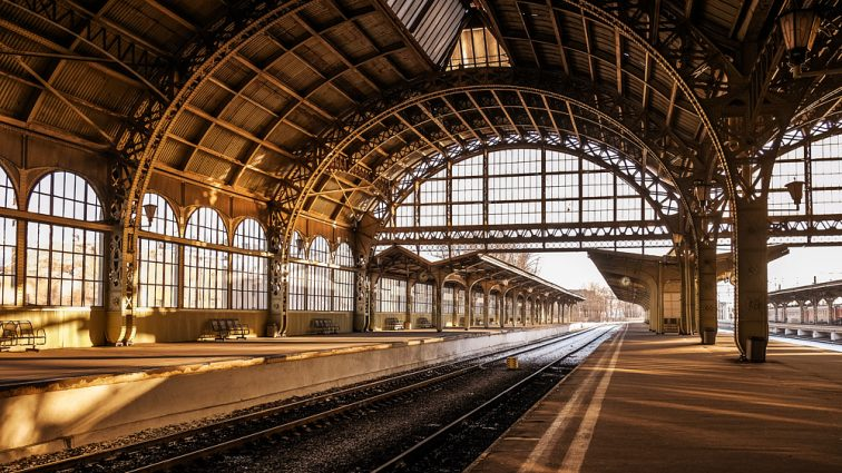 Визит на вокзал: Кравцов сделал 11 выговоров и 2 поощрения