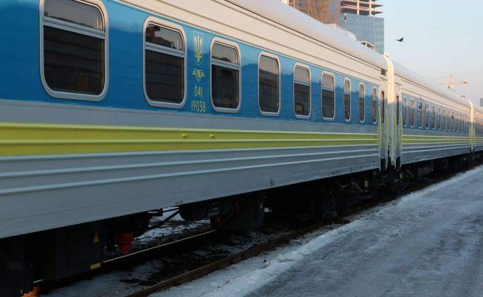 «Укрзализныця» пустит вагоны-трансформеры в Запорожье (фото)