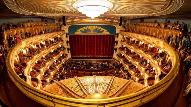 В оперу — в нижнем белье: Google запустил бесплатный 3D-тур оперными театрами Украины
