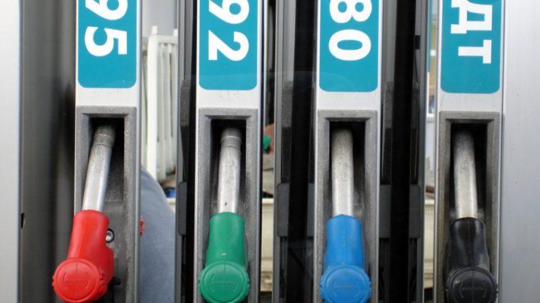 Стоимость бензина и дизельного топлива выросла