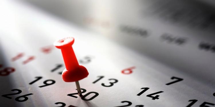 Выходной 1 мая остается: а как насчет 8 марта?